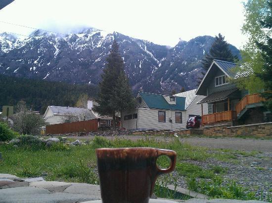 بلاك بير مانور: View from the front porch.