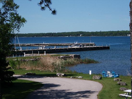 Baileys Harbor Yacht Club Resort: View of yacht club
