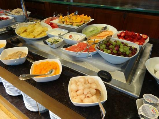 Brilliant Breakfast Buffet Picture Of Four Seasons Resort Maui At Home Interior And Landscaping Palasignezvosmurscom