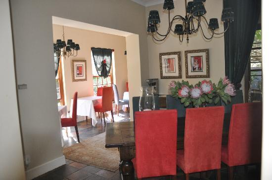 5 Seasons Guesthouse: la salle à diner