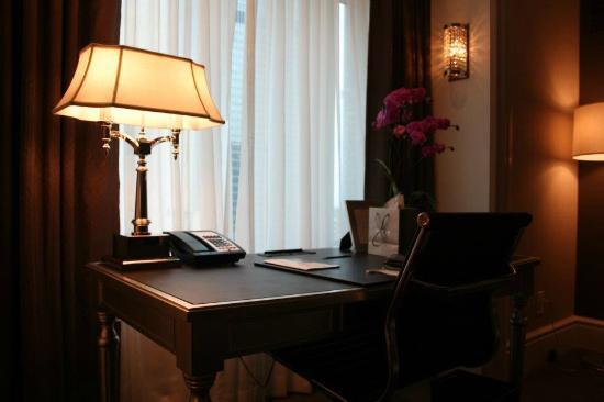 The Adelaide Hotel, Toronto: Bureau