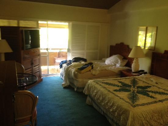 Kaanapali Ocean Inn: room