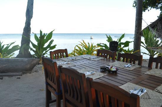 tavoli per la colazione - Picture of Blue Lagoon Beach Resort, Nacula ...