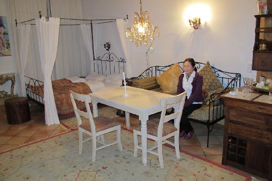 Country Manor Orphee: Inside the room