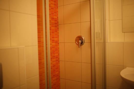 Wombat's Berlin: bathroom