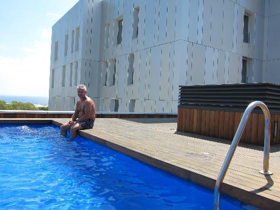 Lugaris Rambla: бассейн на крыше