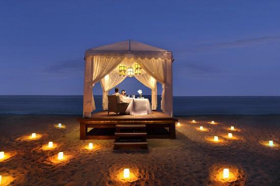 The Royal Santrian Luxury Beach Villas Candlelight Dinner By
