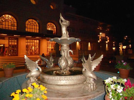 Evershine Keys Prima Resort: Front side view