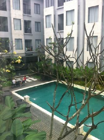 Umalas Hotel and Residence: pool