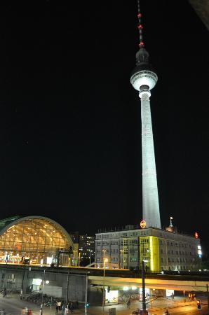 Alexanderplatz Apartments: Uitzicht vanuit de kamer