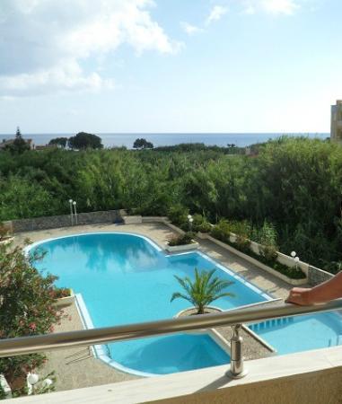 Hotel Albatros: Baseng hvor man kan nyte freden. Absolutt ikke overfylt.