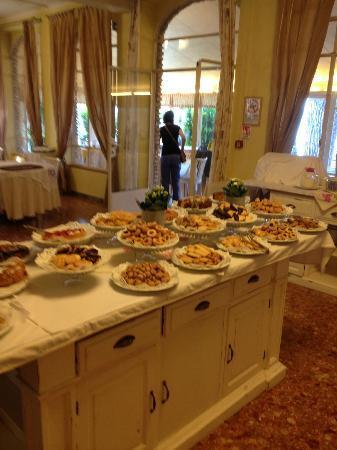 Hotel Marconi: .