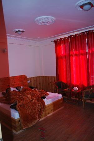 Pause at Manali: Bedroom