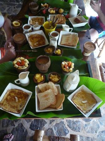 Chalet Tropical Village: наш завтрак))) очень красивый и безумно вкусный