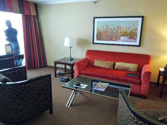 Prince George Hotel: Living-room furniture (suite)