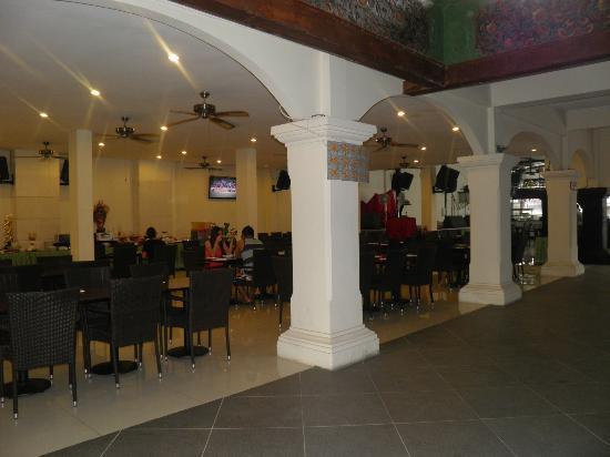 Legian Paradiso Hotel: Breakfast area