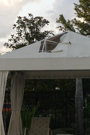 Monumental Hotel Orlando : Pavillondach am Pool, Mai  2012