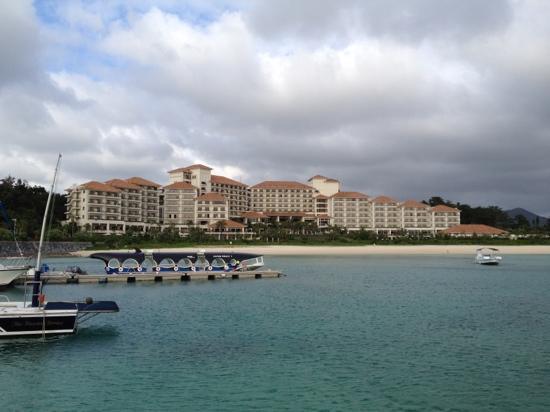 The Busena Terrace : ホテル桟橋から
