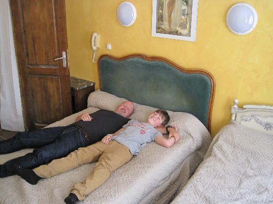 Hotel de Lille- louvre: Comfy beds