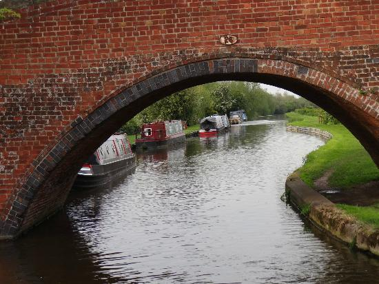 Trent and Mersey Canal: Another bridge to navigate under...