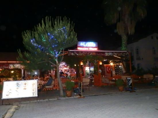 Sinan's Place: sinans at night