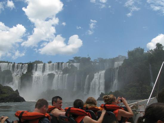 Cataratas del Iguazú: 水着・水中メガネがあると楽しいです カッパはNo good