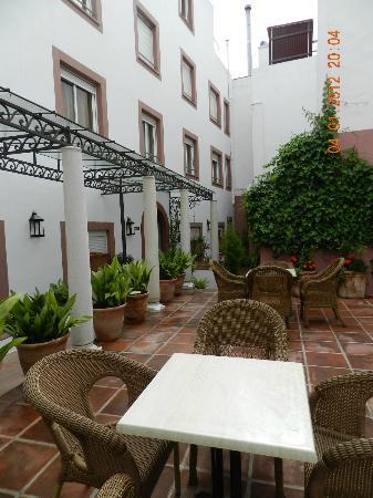 Apartamentos murillo 54 6 5 prices apartment for Appart hotel seville