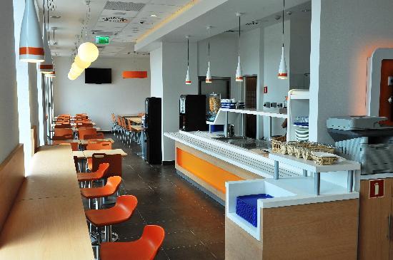 Sala śniadaniowa w ibis Budget Krakow Stare Miasto. Breakfast area @ ibis Budget Krakow Stare Mi