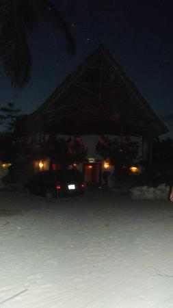Dhow Inn: outside by night