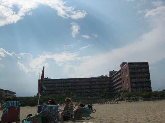 Holiday Inn Ocean City: View from the beach