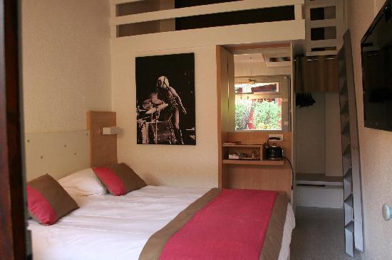 Ibis Styles Aix-en-Provence : Chambre QUEEN BED