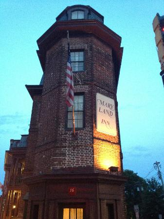 Historic Inns of Annapolis: What a beautiful historic property.