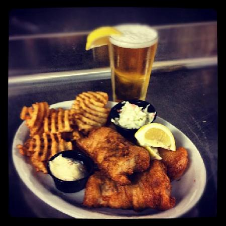Monk's Bar & Grill : Friday Night Fish Fry