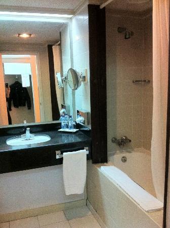 LAICO Regency Hotel: Bagno
