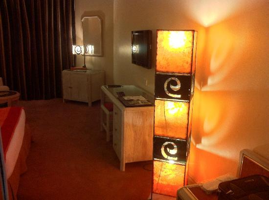 LAICO Regency Hotel: Camera