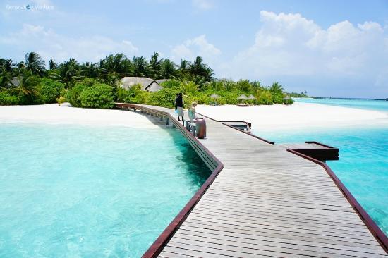 Anantara Dhigu MaldivesResort: Ferry jetty - Dhigu to Veli