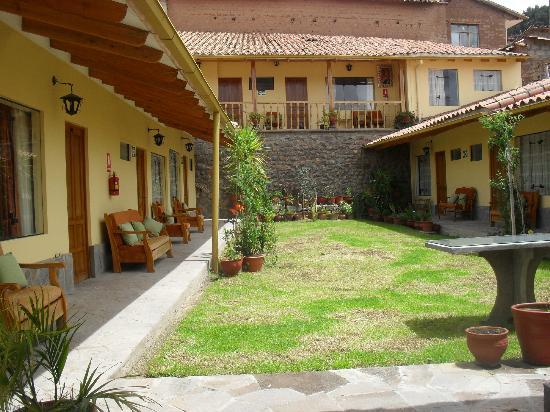 Koyllur Inn: Jardin