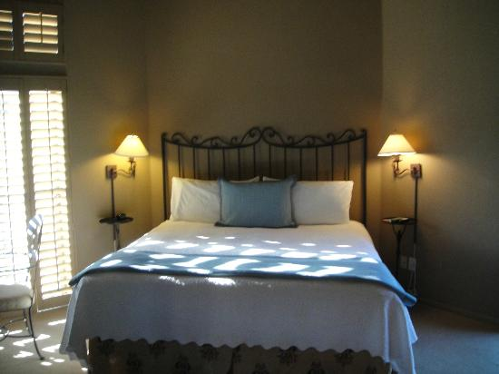 Las Posadas of Sedona: Comfy bed and linens