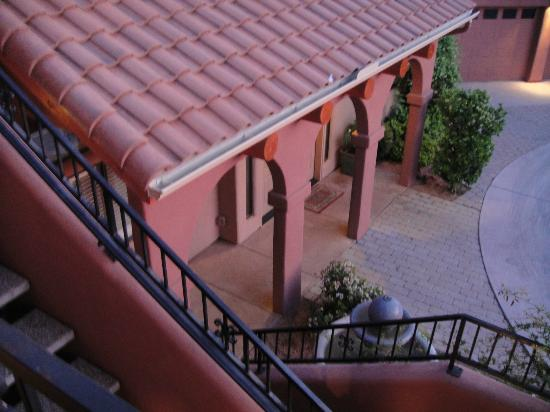 Las Posadas of Sedona: Looking down staircase from room to breakfast room
