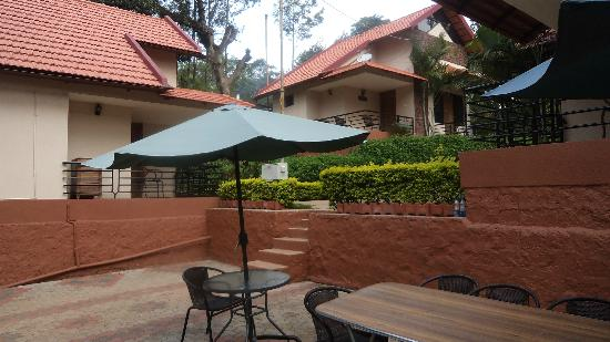Honey Pot Homes: Sit out at the honey pot home ..... best place to enjoy your breafast