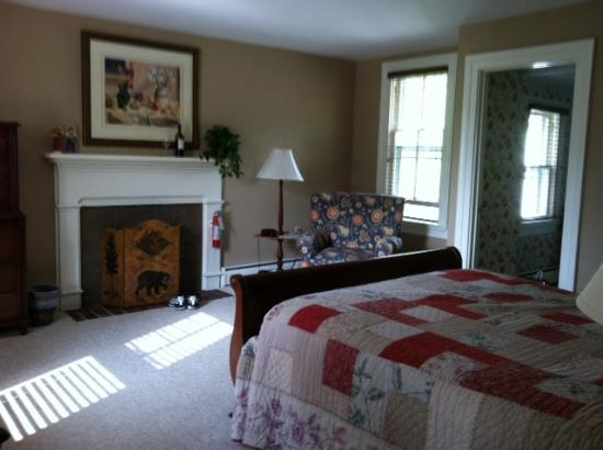 Fort Lewis Lodge: Our bedroom