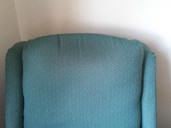 Extended Stay America - Sacramento - Elk Grove: Chair - old and dirty