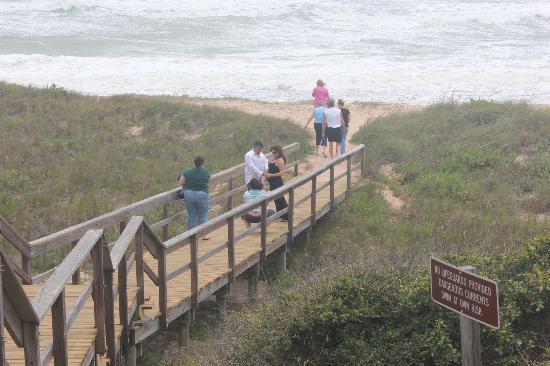 Guana Tolomato Matanzas National Estuarine Research Reserve: Easy access to the beach