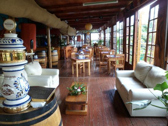 Kaimana Inn Hotel & Restaurant: Restaurant