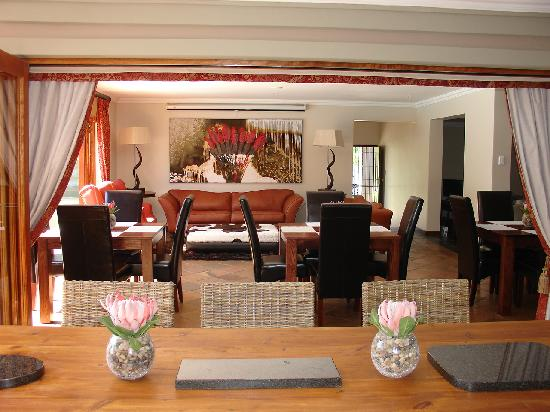 Lord Caledon Guest House: Braai Area, Breakfast Room, Lounge