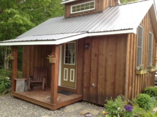 Sheady Acres Rental Cottages: Sugar House Exterior