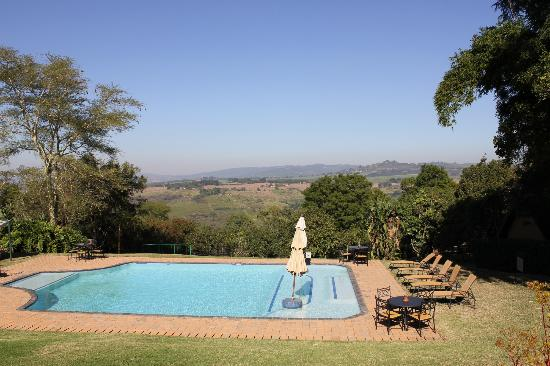 Protea Hotel by Marriott Hazyview : Vista from the bar & pool area