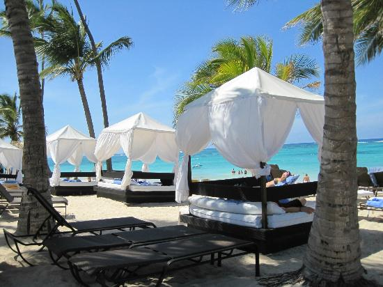 Ocean Blue & Sand : cabanas priviledged