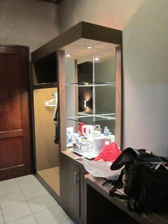 Tirtagangga Hotel: minibar
