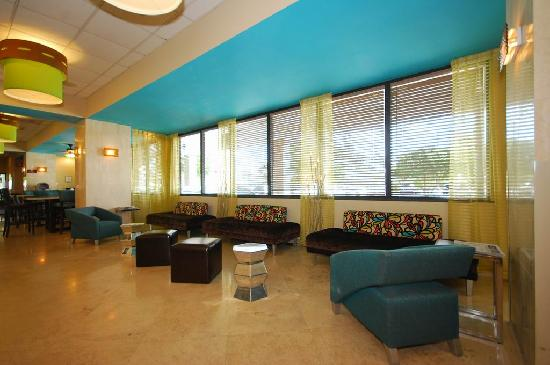Fort Lauderdale Airport / Cruise Port Inn: Our new lobby